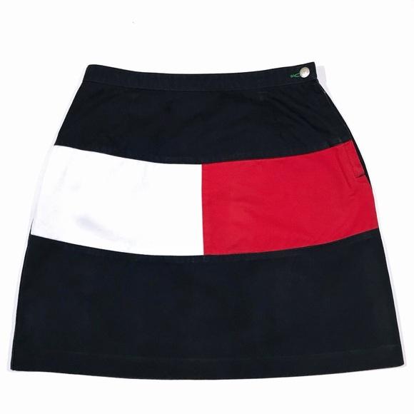 497ce8921178 90s Tommy Hilfiger Color Block Logo Flag Skirt. M 5bd1417d34a4ef82992f7b90